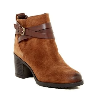 Sam Edelman Hannah Belted Chelsea Ankle Boots